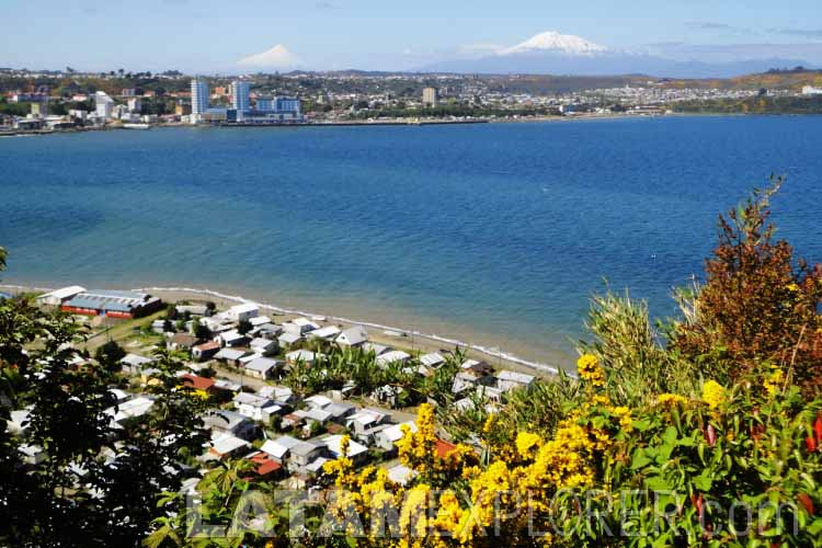Puerto Montt visto desde la Isla Tenglo - Chile