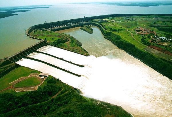 Hidroeléctrica de Itaipu, Paraguay, Brasil